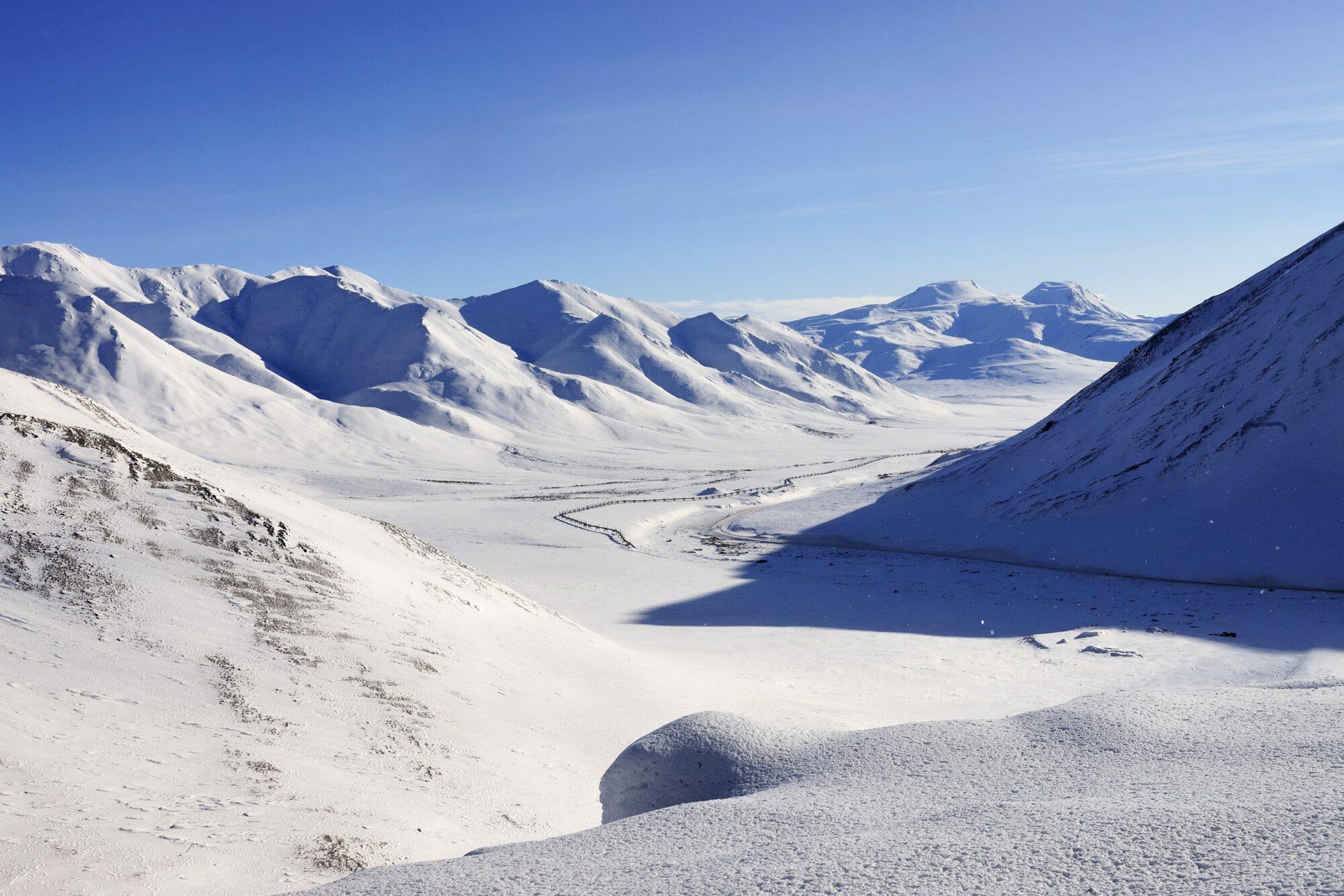 025_Brooks Range mit der Ölpipeline zur Prudhoe Bay-Alaska