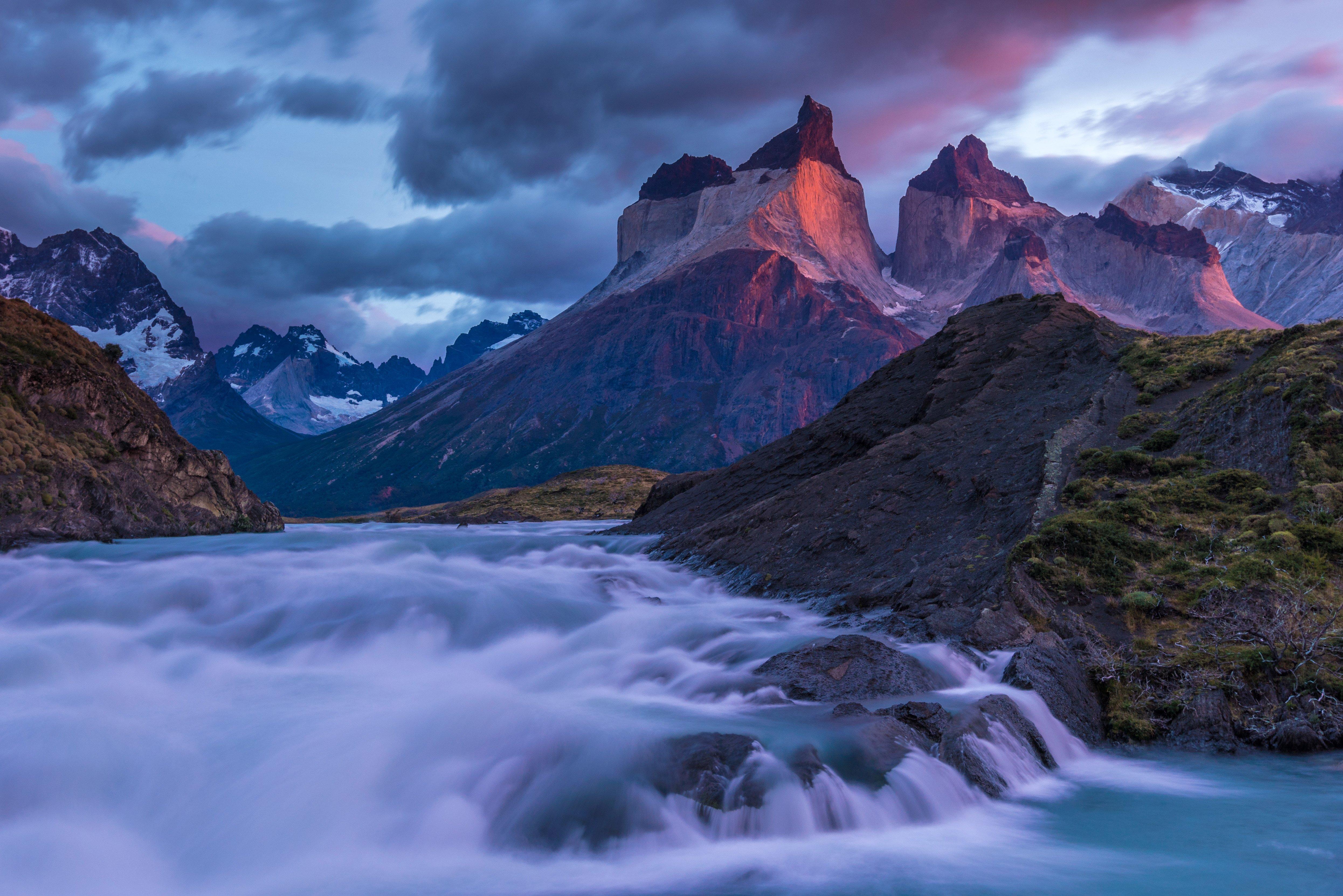 CHILE_Die_Cuernos_del_Paine_Im_Torres_del_Paine_Nationalpark